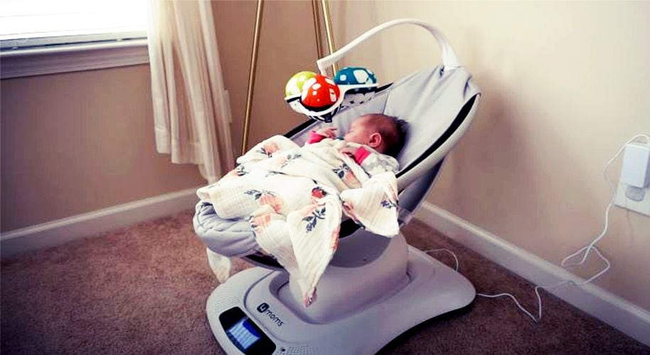 Can-baby-sleep-in-swing
